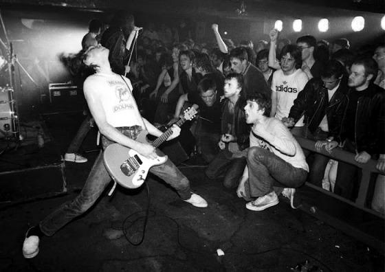 Ramones by Ian Dickson, 1977.  (Image source: Wikipedia Commons)